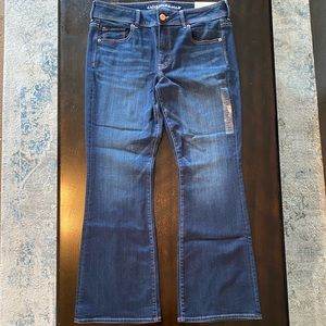 NWT AEO Super Stretch Kick Boot Jeans Sz 14 Short
